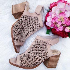 Vince Camuto Keannie Sandals Size 7.5 $120